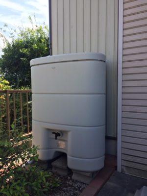 雨水貯留タンクの取付工事です